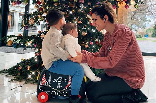 Беременная Виктория Лопырева отдыхает в Майами с отцом своего ребенка звездные пары