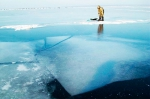 За плотвой по тонкому льду