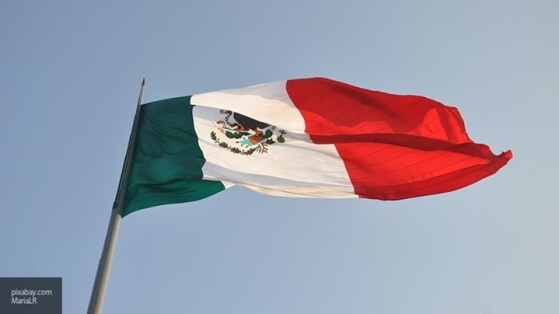 К США начал путь еще один крупный караван мигрантов из Мексики