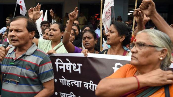 Акция протеста. В Индии супружескую пару, принадлежащую к касте «неприкасаемых», убили из-за долга в 15 рупий (22 цента)./Фото: www.panorama.am