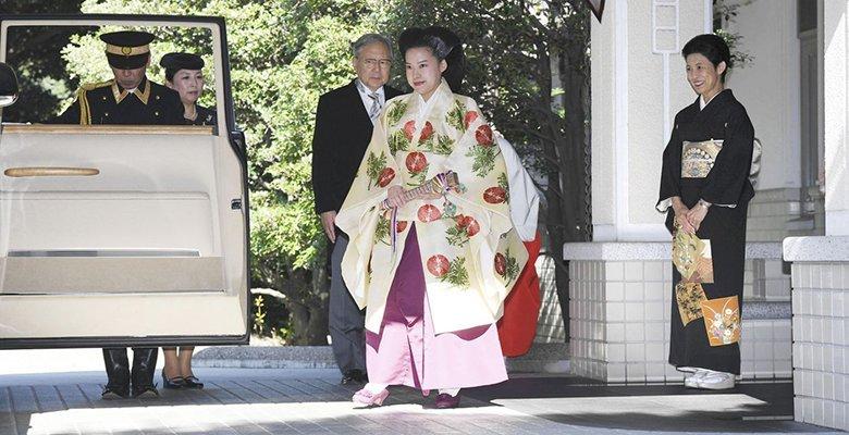 Японская принцесса отказалась от титула и трона ради возлюбленного