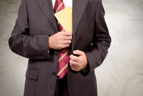 24 миллиона граждан не работают или получают зарплату «в конверте». Что думают люди?