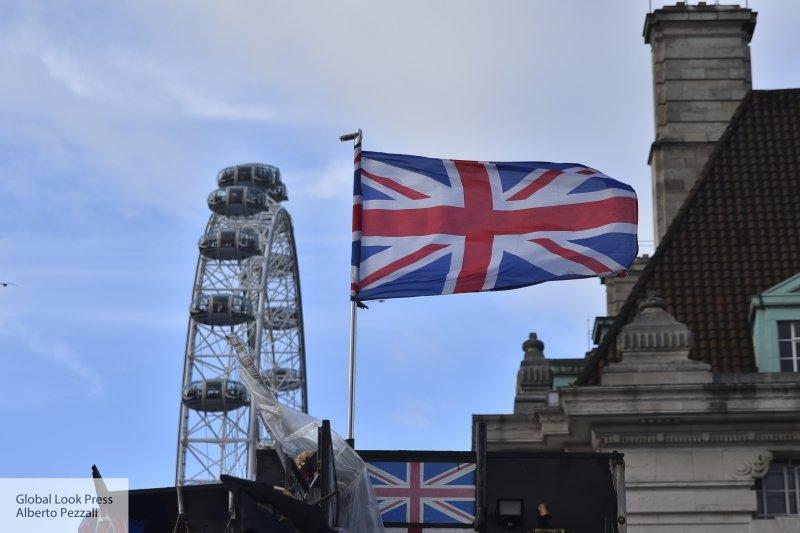 Развод с убытками: банкир предупредил Британию, чем аукнется Brexit без соглашения с Брюсселем