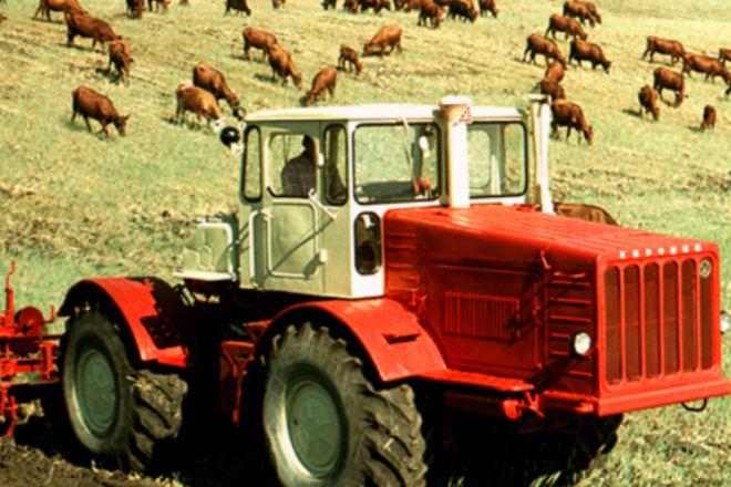 7 легендарных тракторов  родом из СССР