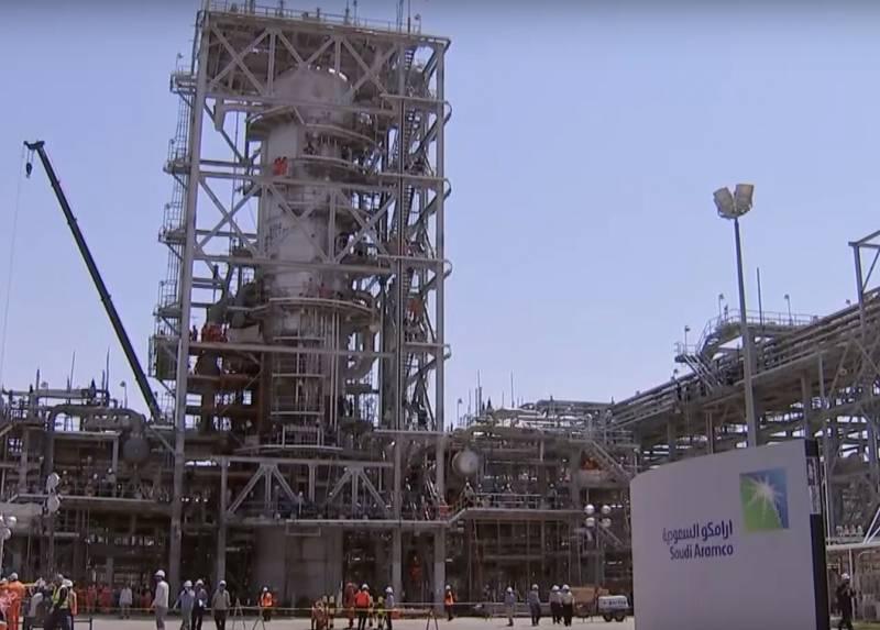 20 долларов за баррель: как низкие цены на нефть влияли на экономику в разное время