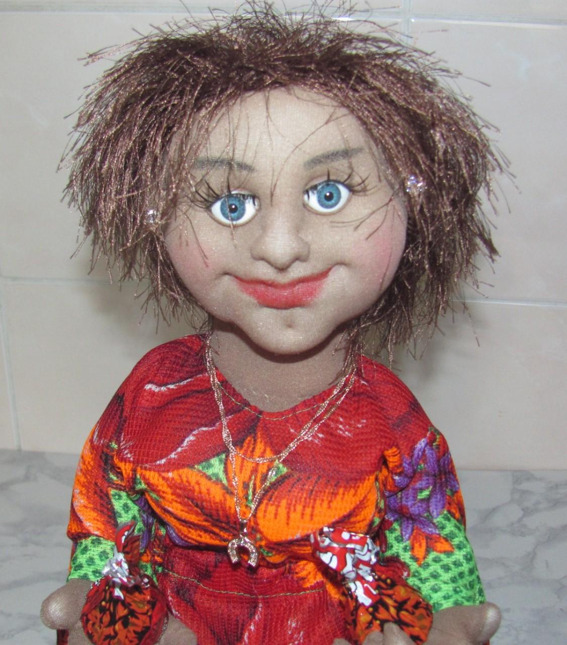 Кукла - грелка на чайник