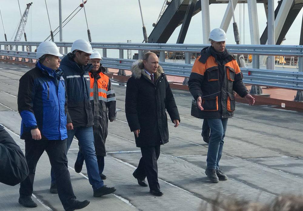 Крымский мост откроют в мае (для авто)