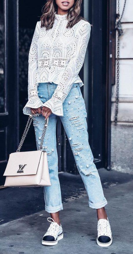 Драгоценный образ: джинсы, расшитые жемчугом