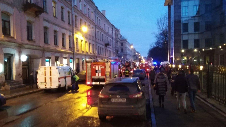 Глава МЧС прибыл на место обрушения кровли университета в Петербурге