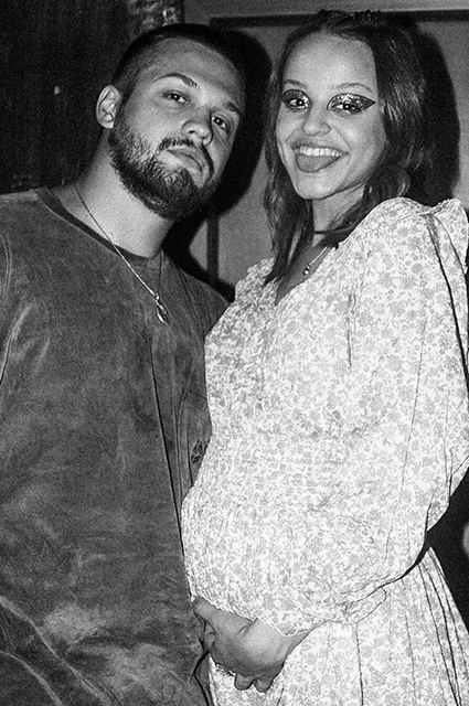 Сюзанна Варнина и Мальбэк впервые стали родителями Звездные дети