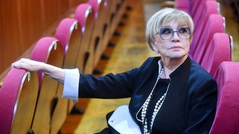 Близкие рассказали о состоянии вдовы Меньшова Веры Алентовой