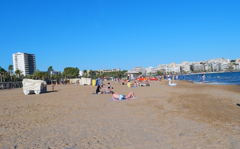 Испания, сезон провален: пляжи практически пустые, отдыхающих нет