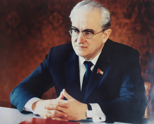 15 месяцев генсека Андропова или как он спасал СССР