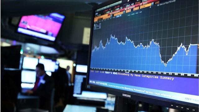 Рынок акций вновь смотрит на нефть