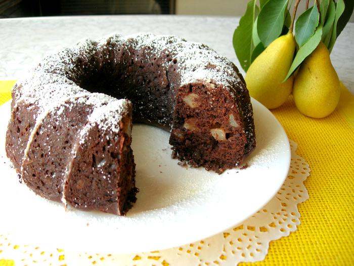 Шоколадный кекс с грушами мо…