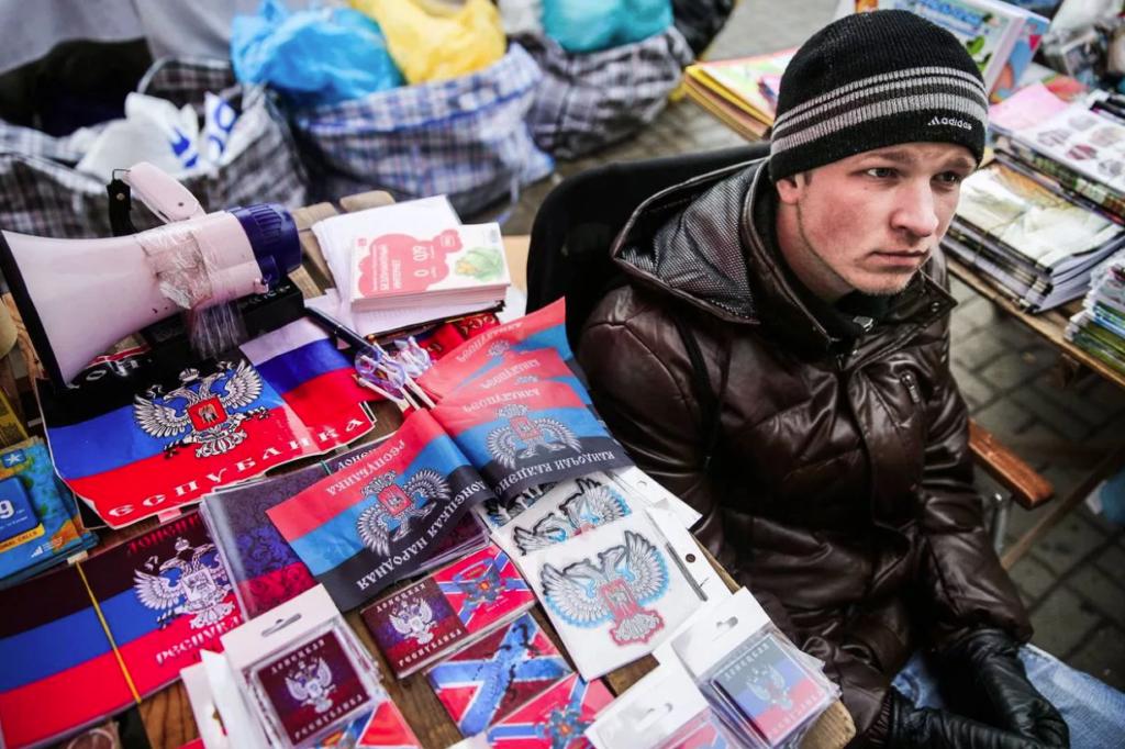 Киев решил облегчить жизнь украинцам с Донбасса