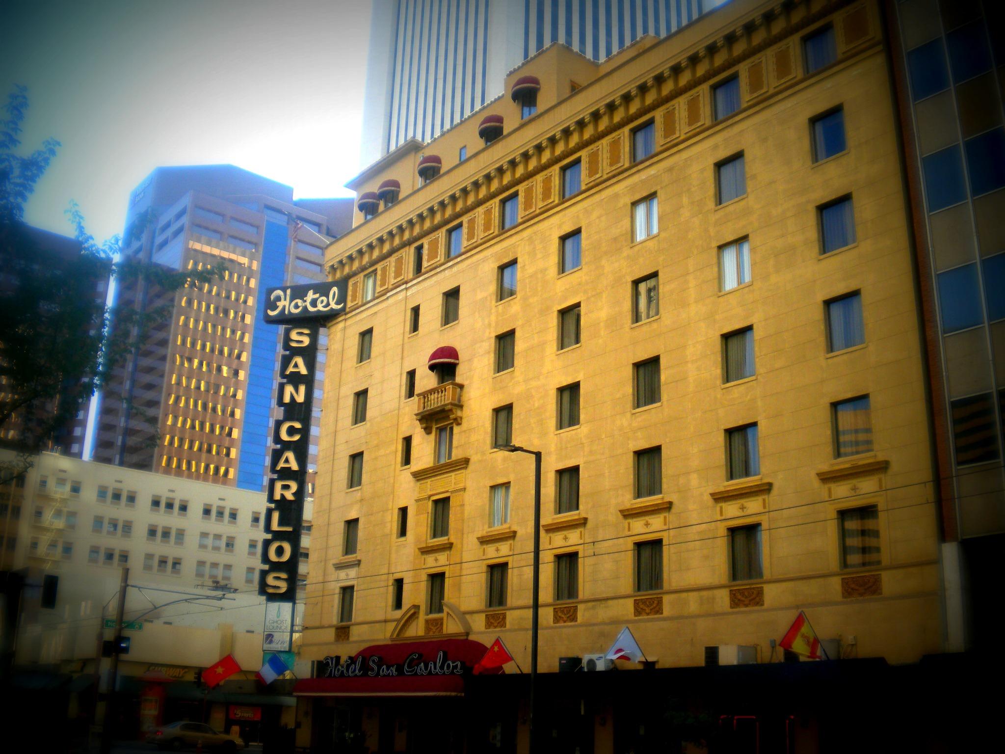 Отель самоубийц, чикагская улица привидений и еще 3 локальных истории о призраках
