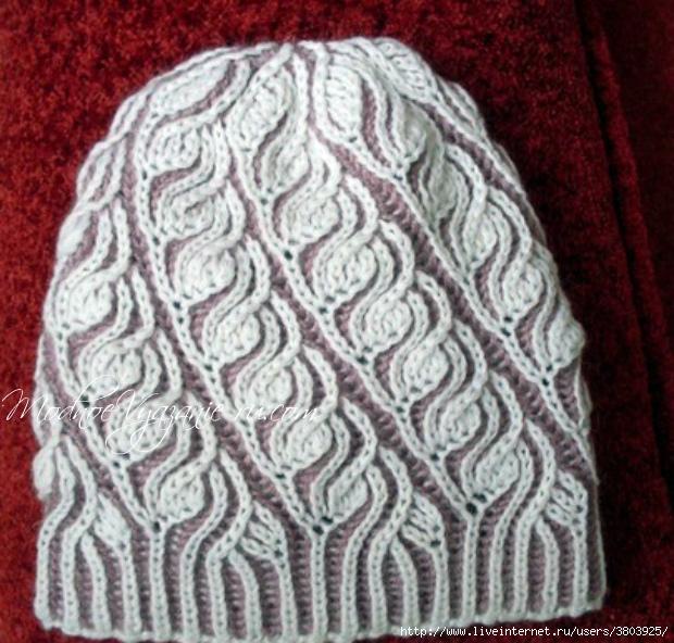 Чудесная двусторонняя шапочка, связанная в  технике бриош. Вяжется просто, быстро, а смотрится очень эффектно!