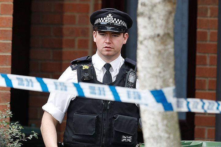 Три человека пострадали при наезде автомобиля возле мечети в Лондоне