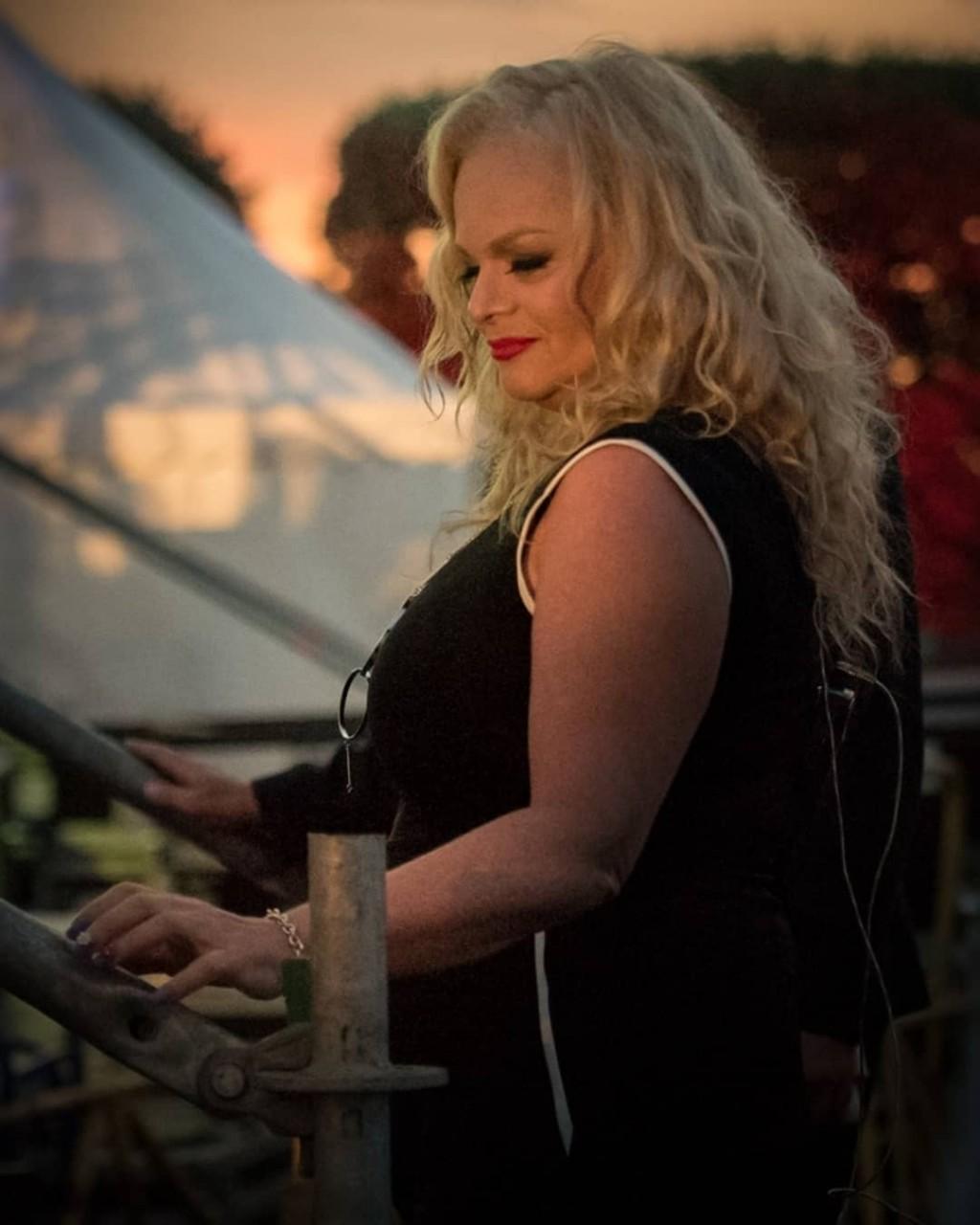 «От тоски стала очень много есть и расплылась»: Лариса Долина набрала вес после безжалостной измены мужа