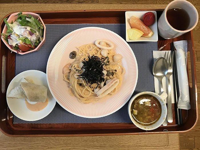 Паста с морепродуктами на обед блюдо, еда, пища, родильный дом, роженица, фото, япония