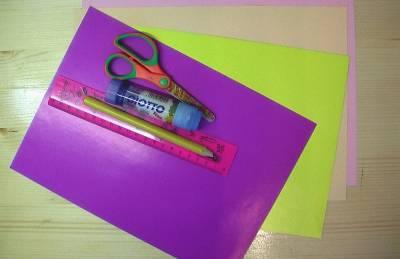 Новогоднее украшение: шарик из бумажных цветов (мастер-класс)