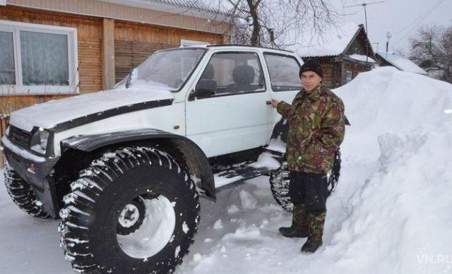 Житель Новосибирской области собрал вездеход из «Оки» и КАМАЗа