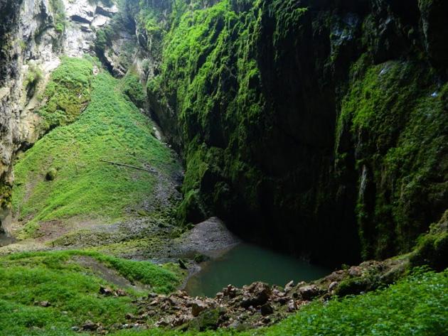 Провал Мацоха: затерянный подземный мир метров, провала, Мацоха, сказать, которой, курсируют, экскурсионные, катера, Впечатление, Геологическое, Кроме, незабываемое, когда, твоей, головой, сотню, вверх, уходят, отвесные, протекает