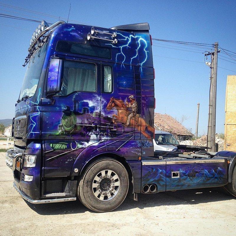 вязания куклы рисунки на фургонах фото постит фотографии рогатой