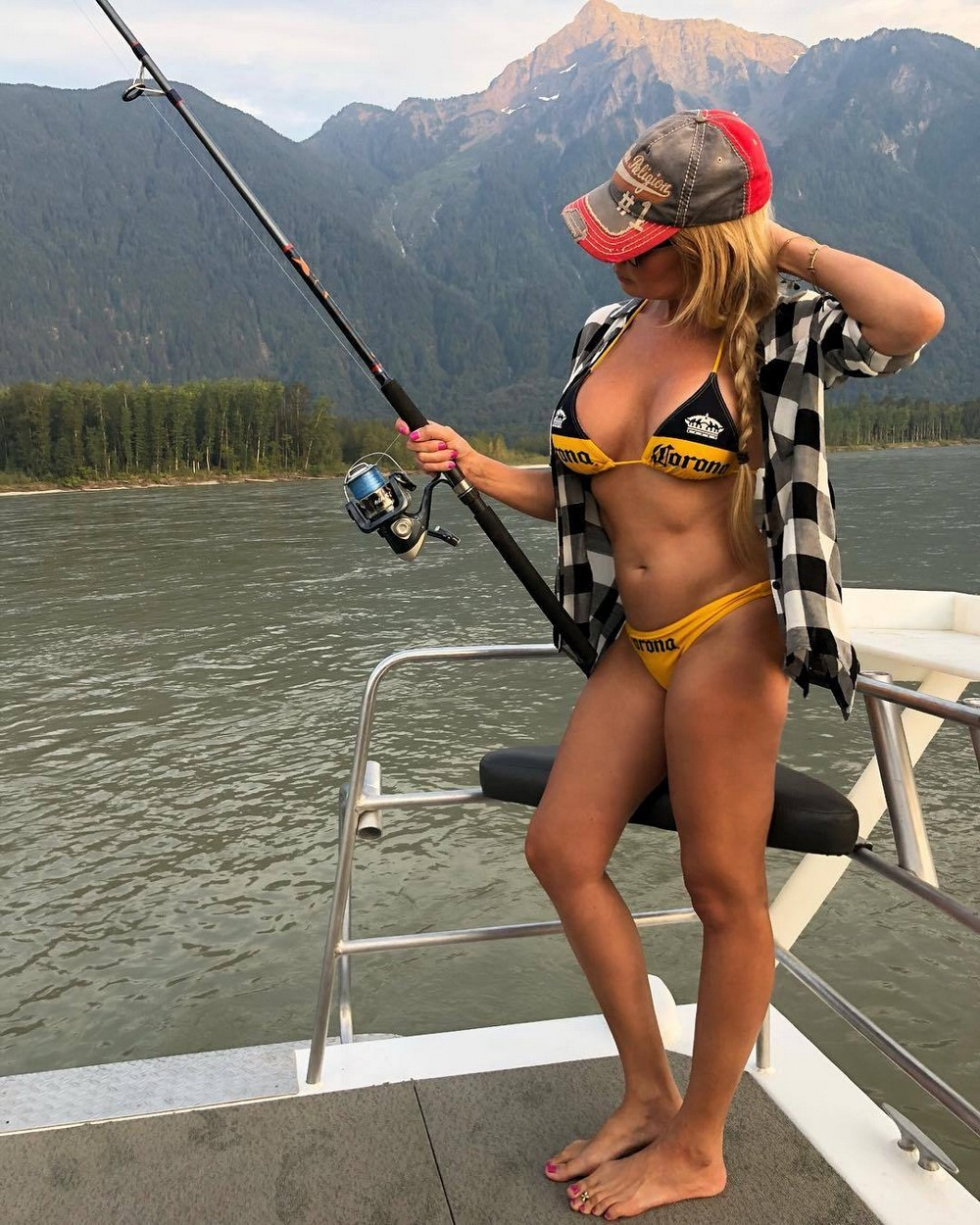 Redneck women hot girls fishing