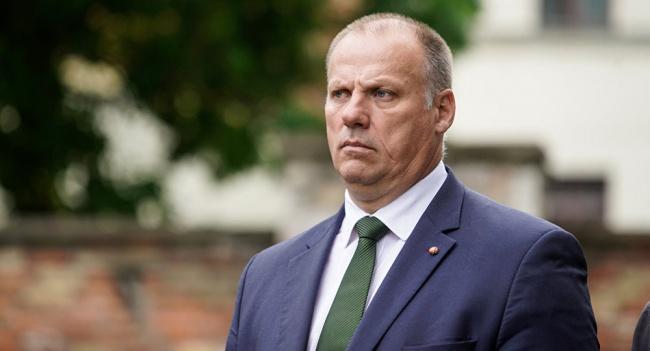 Министр обороны Латвии нехочет восстанавливать призыв вармию