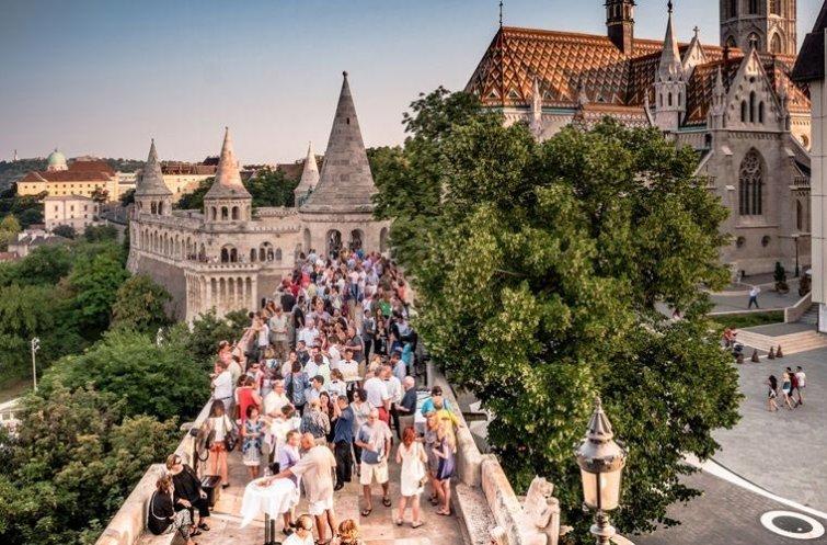Говорить о политике в мире, венгрия, запрет, люди, правило, факты
