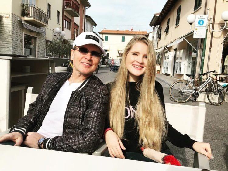 «Это за гранью, позорище!»: многие россияне возмущены новым клипом Малинина и его дочери