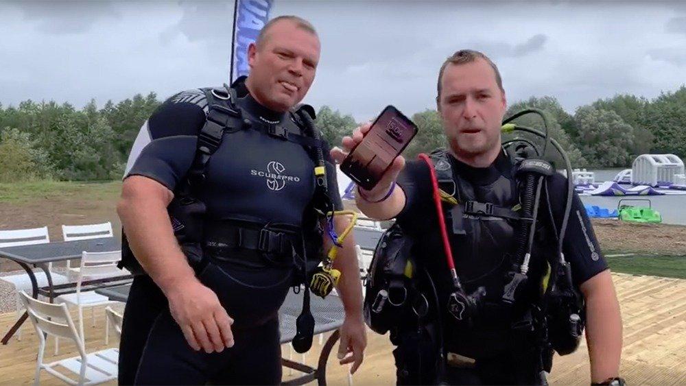iPhone пролежал на дне озера…