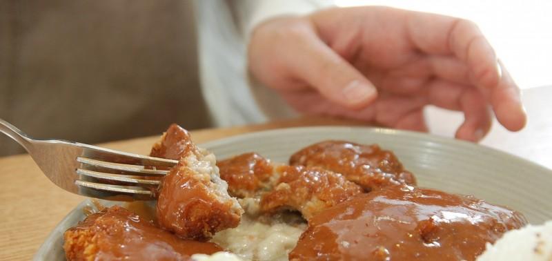 Муж много ест и не думает о семье