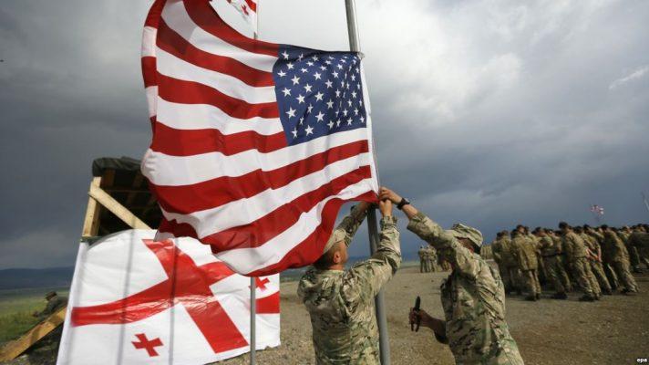 «Запад проецирует силовое давление на Россию»: Захарова оценила значение учений НАТО в Грузии