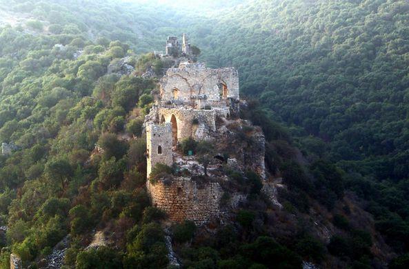 Археологи нашли парадный зал рыцарского замка