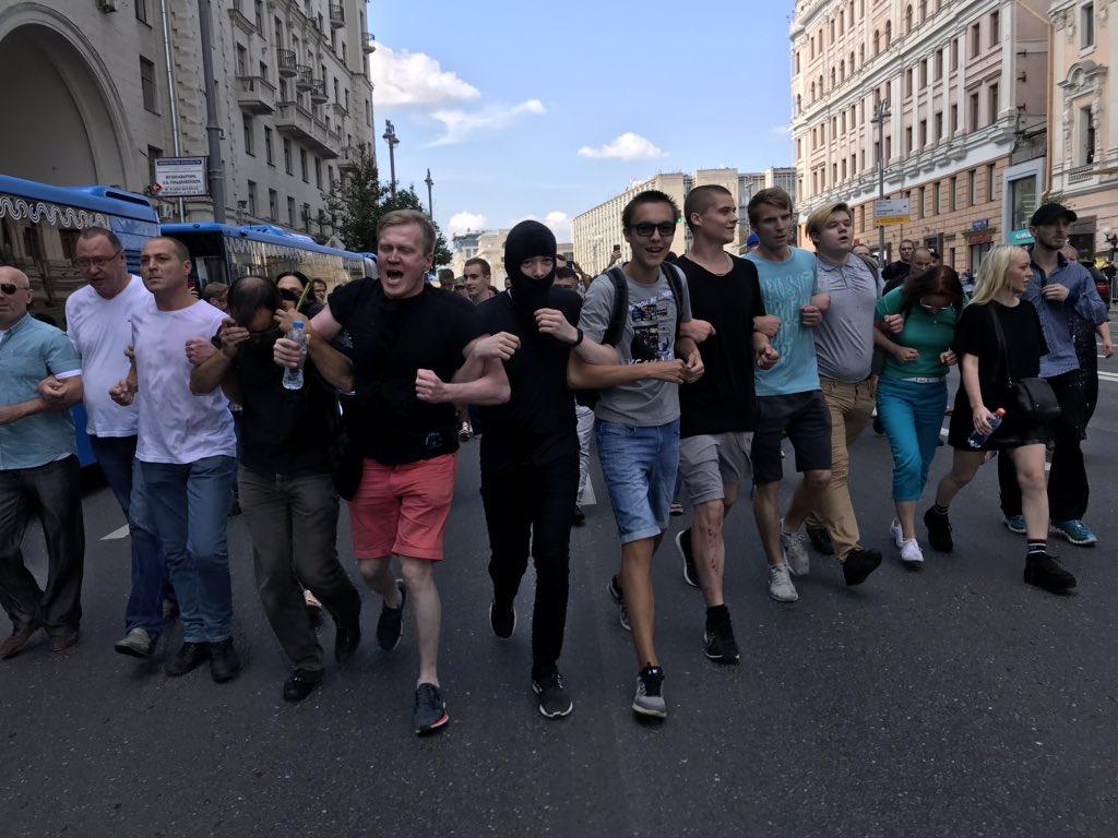 Народная «любовь» граждан России к майданящим в Москве