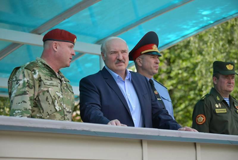 Лукашенко пояснил необходимость переброски дополнительной бригады ВДВ к западным границам геополитика