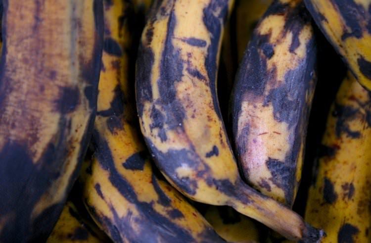 От того, какой расцветки банан вы выберете, зависит его польза для вашего здоровья