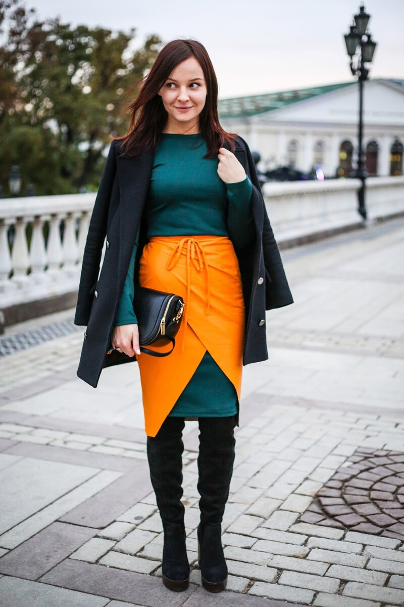 С чем носить юбку с запахом: 7 стильных луков гардероб,мода и красота,модные образы,одежда и аксессуары