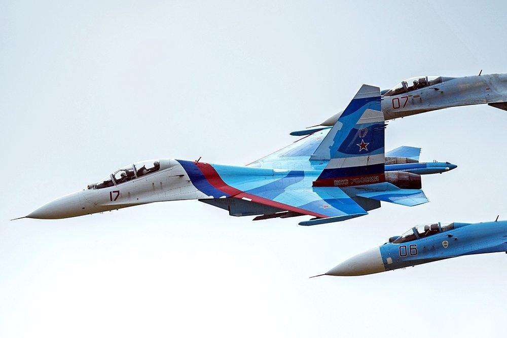 Истребитель ВКС РФ перехвати…