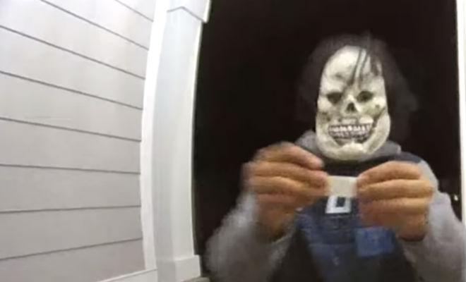 Необъяснимые моменты, которые сняли через дверной глазок Видео
