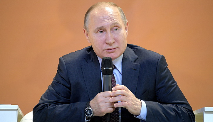Путин: Воссоединение русских земель с Россией важнее санкций Запада