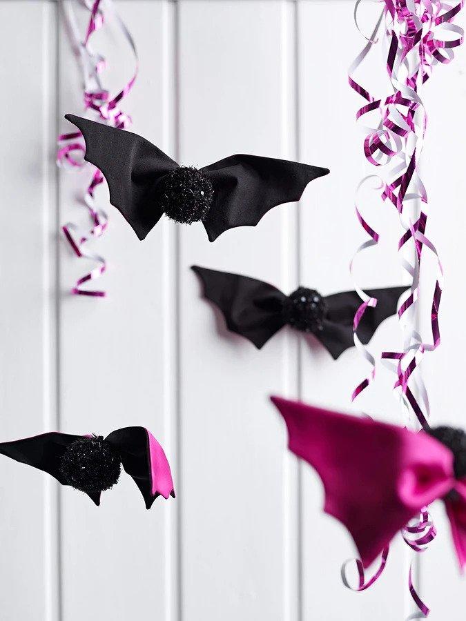 Летучие мыши своими руками: декор интерьера в стиле Хэллоуина