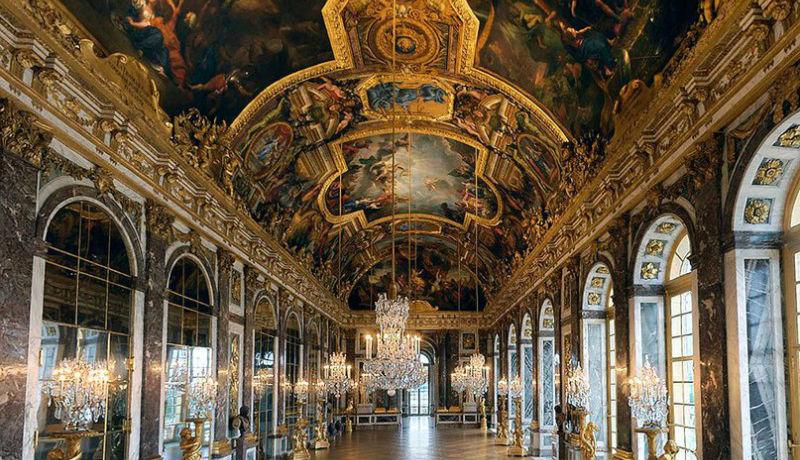 Версаль— великолепный дворец, вкотором небыло ниодного туалета