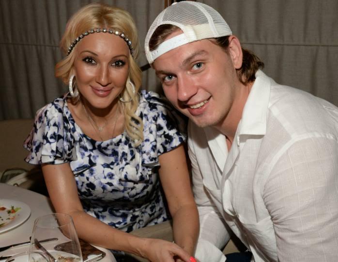 47-летняя Кудрявцева родила ребенка от хоккеиста Макарова