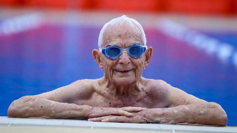 99-летний пловец из Австралии побил мировой рекорд