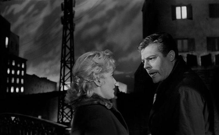 Кадр из фильма «Белые ночи» режиссёра Лукино Висконти. / Фото: www.kinohorosho.ru