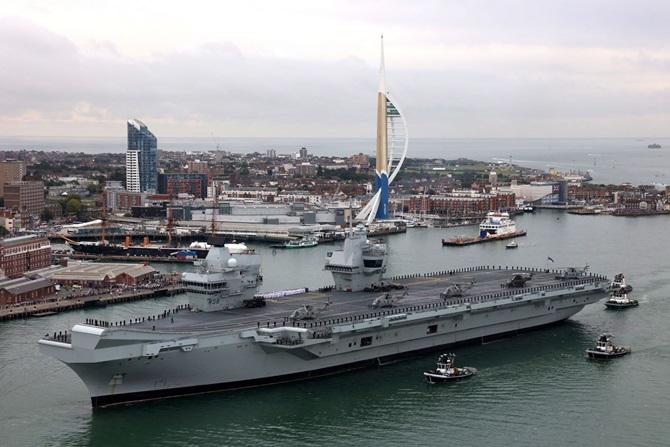 Великобритания вооружилась новым авианосцем